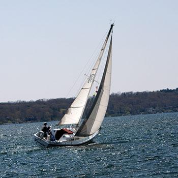 Sailing Lake Geneva